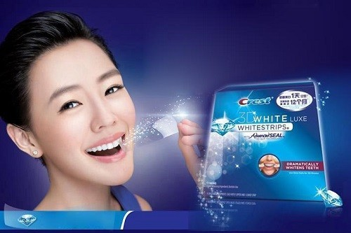 Young Woman Using Crest 3D
